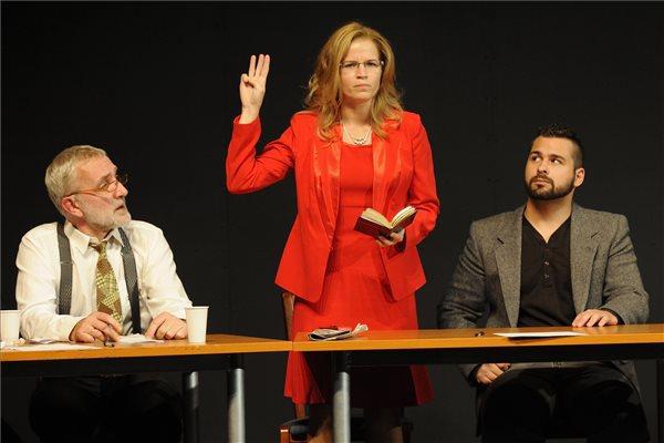 12 dühös ember (Dr. Kosztolányi József egyetemi docens, Dr. Nagy Erzsébet bíró és Spitzer jenő egyetemi hallgató)