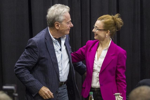 Bálint András és Kováts Adél a sajtótájékoztatón