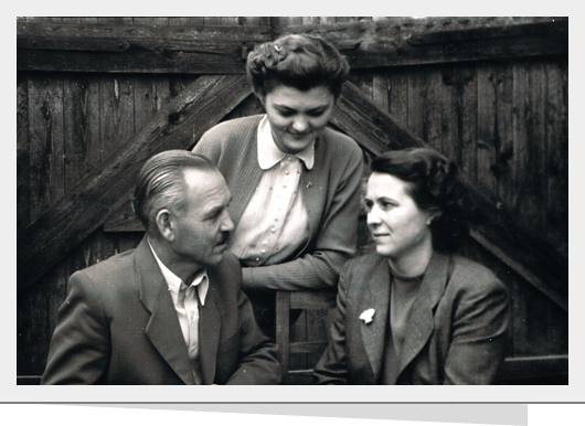 131031_Mészáros család 1953.jpg