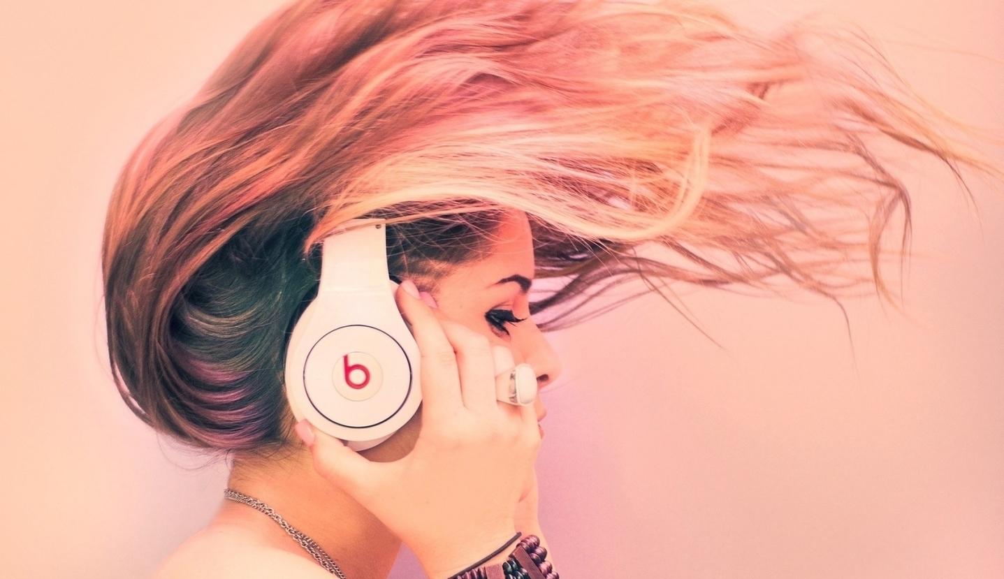 hd-music-girl-desktop-backgrounds.jpg