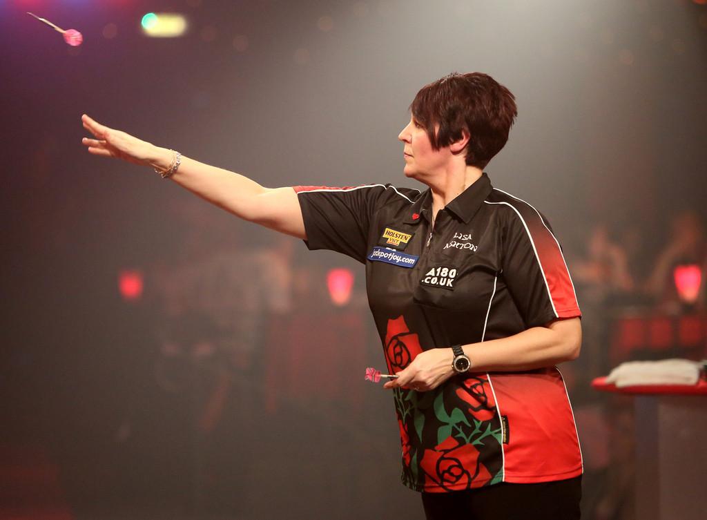 bdo_lakeside_world_professional_darts_championships_sgexl_jd5fkx.jpg