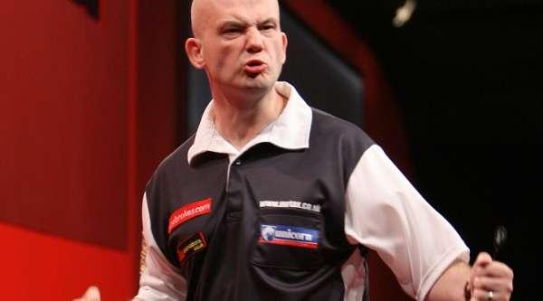 jamie-caven-2010-ladbrokescom-world-darts-championship-first-round-lawrence-lustig-pdc_0_10180-8095538_00.jpg