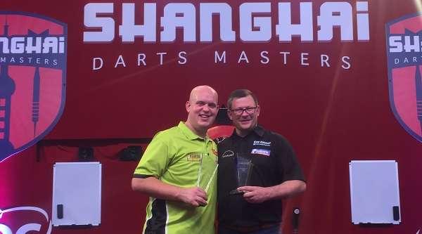 michael-van-gerwen-james-wade-shanghai-darts-masters-pdc_1px2dtwppd2pd1ez0yf79pt2je.jpg