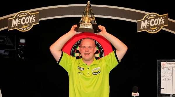 michael-van-gerwen-mccoys-premier-league-darts-champion-lawrence-lustig-pdc_1660o69dyhl371xuo0z59u06yv.jpg