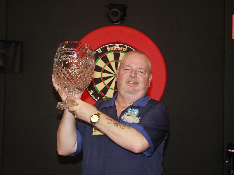 robert-thornton-world-grand-prix-darts_3362125.jpg