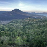 Így aludtunk egy aktív vulkán kalderájában - Mount Batur