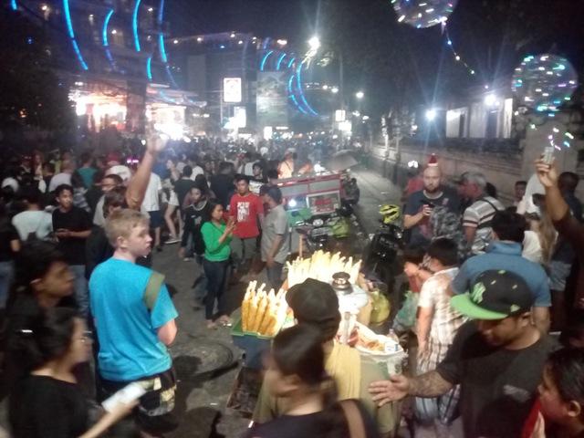 Hogyan költözik Ausztrália Balira egy hétre? BUÉK! Selamat Tahun Baru!