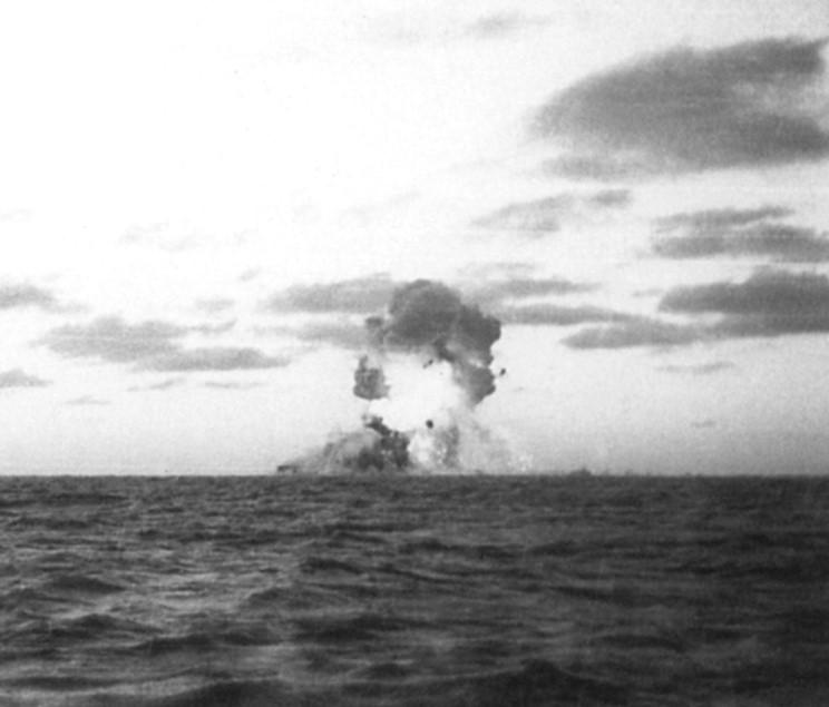 admiral_graf_spee_1939_12_17_005.jpg