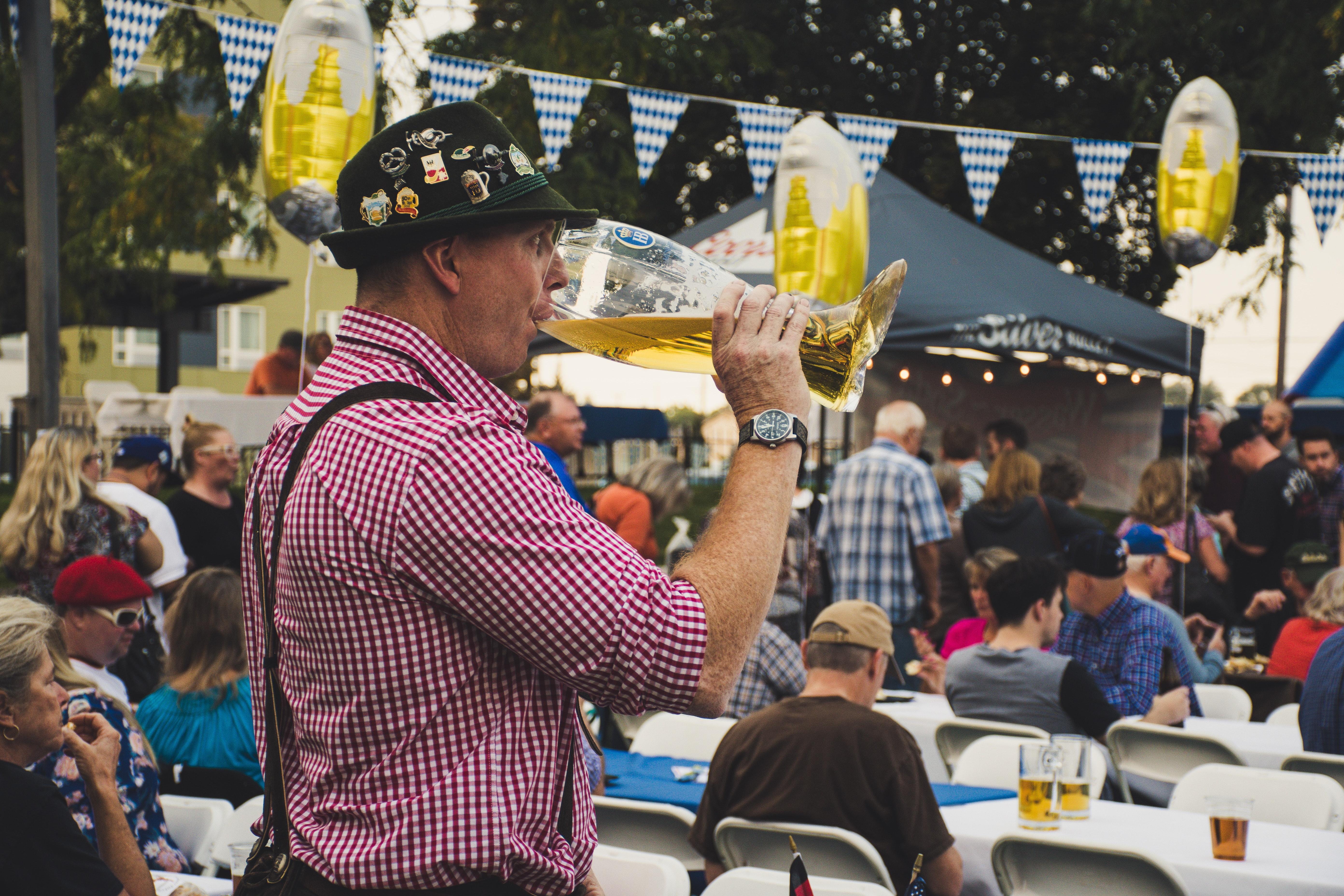 adult-alcoholic-beverage-beer-1533864.jpg