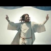 Jézus rendet tesz a focipályán