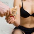 Van kiút a prostitúcióból és a szexuális kizsákmányolásból – Ne félj meglépni!