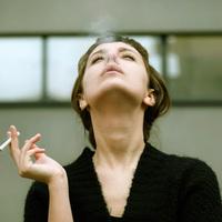 Dohányzás: élménykeresés, önbizalomhiány vagy szülői minta?