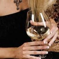 Átlagosan 18 millió forintnyi alkoholt isznak életükben a britek