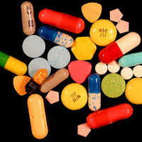 A magyar lányok a gyógyszert és az alkoholt együtt fogyasztják