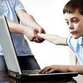 IVO-felmérés: A lakosság 20 százaléka internetfüggő