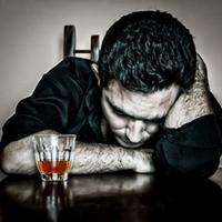 Nem lehet alkoholba fojtani a bánatot