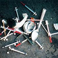 Miért kell steril tűt adni a szerhasználó drogosoknak?