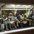 Csak ültök a metrón, mint a zombik