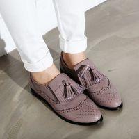 Dandy - férfi cipő, női lábon