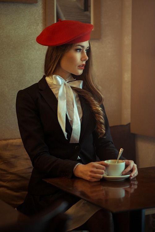 dfbd467e779a247d3382f74f0136bba8--beret-rouge-red-berets.jpg