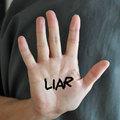 Az igazság útján - Hazug férfi