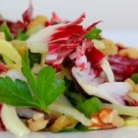 Puhítják az adó salátát