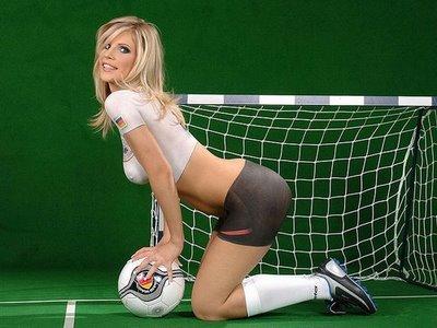 Painted_World_Cup_Football_Soccer_Girl_12.jpg