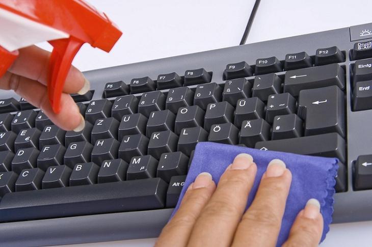 laptop billentyuzet tisztit