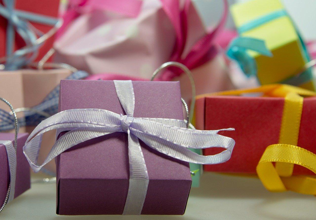 gift-444519_1280.jpg