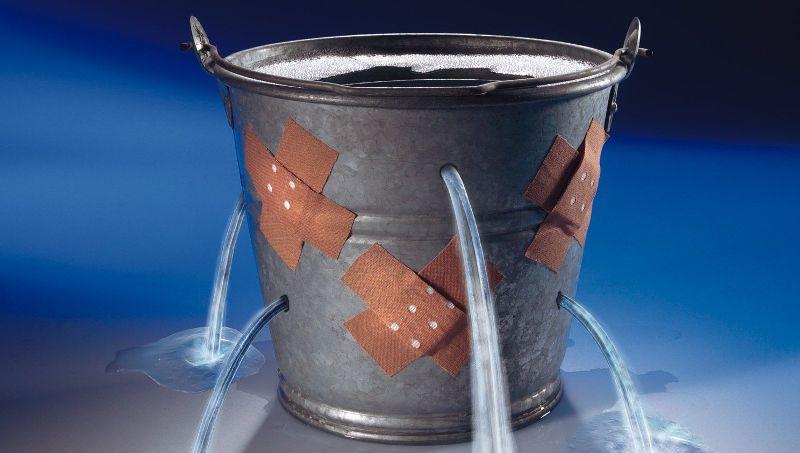 leaking_bucket-normal_1.jpg