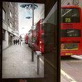 Ez komoly: ufót látott a buszmegállóban!