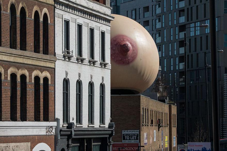 giant-inflatable-breast-breastfeeding-london-15.jpg