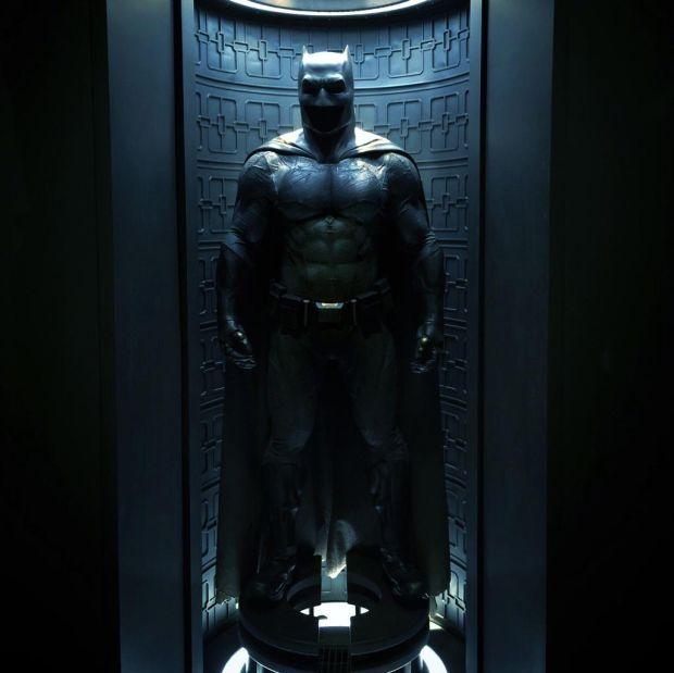 batman_costume_b.jpg