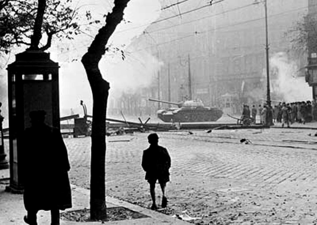 soviet_tank_in_budapest_1956.jpg