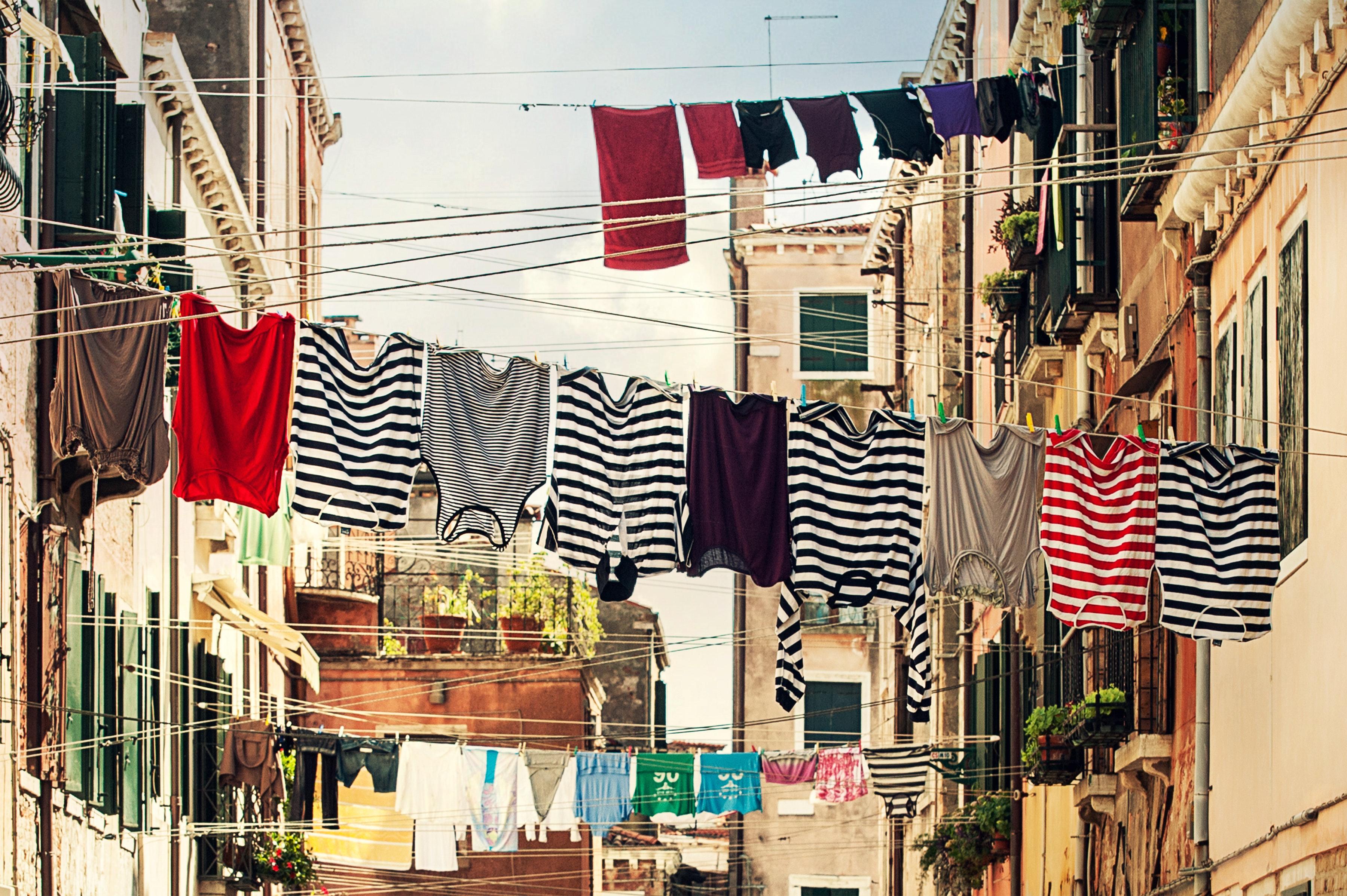 buildings-clothes-clothes-line-102303.jpg