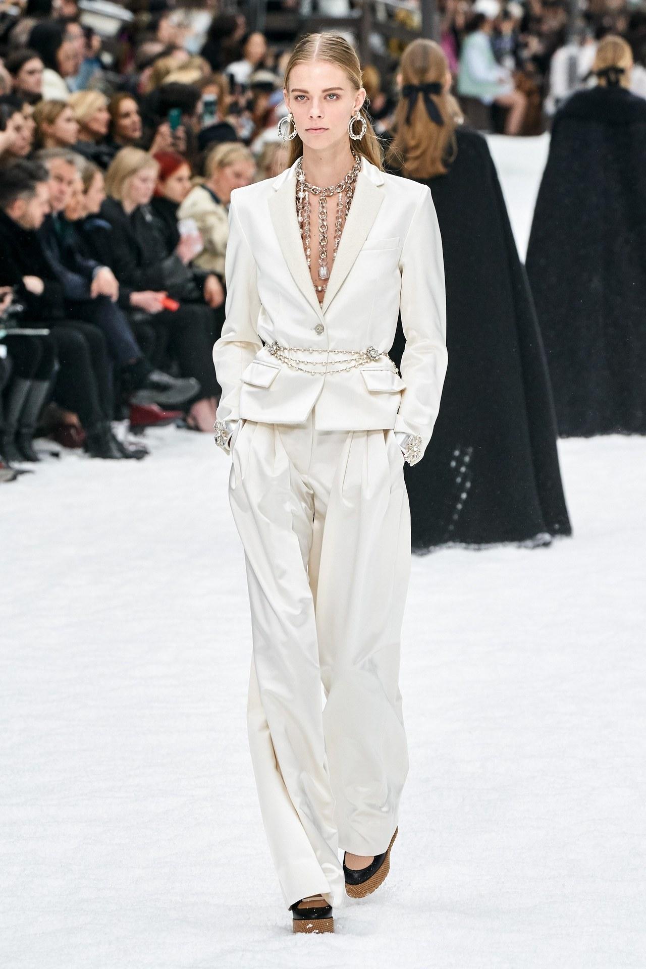 A kifutókról: Chanel