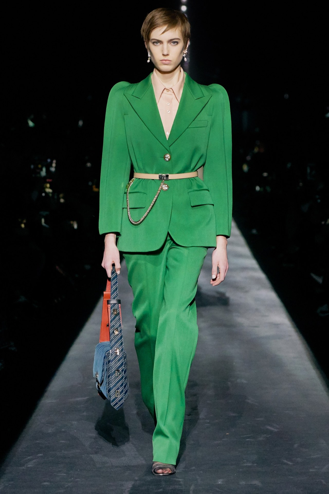 A kifutókról: Givenchy
