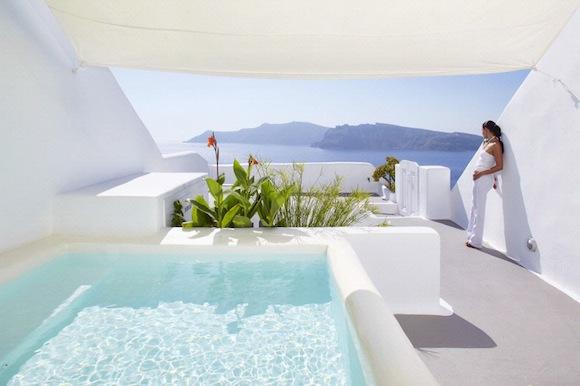 Kirini-Suites-Spa-Luxury-Hotel-Oia-Santorini-Cyclades-Greece-04.jpg