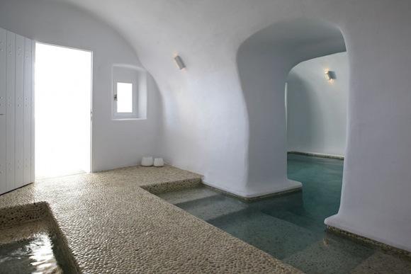 Kirini-Suites-Spa-Luxury-Hotel-Oia-Santorini-Cyclades-Greece-06.jpg