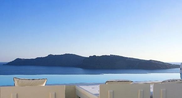 Kirini-Suites-Spa-Luxury-Hotel-Oia-Santorini-Cyclades-Greece-12.jpg