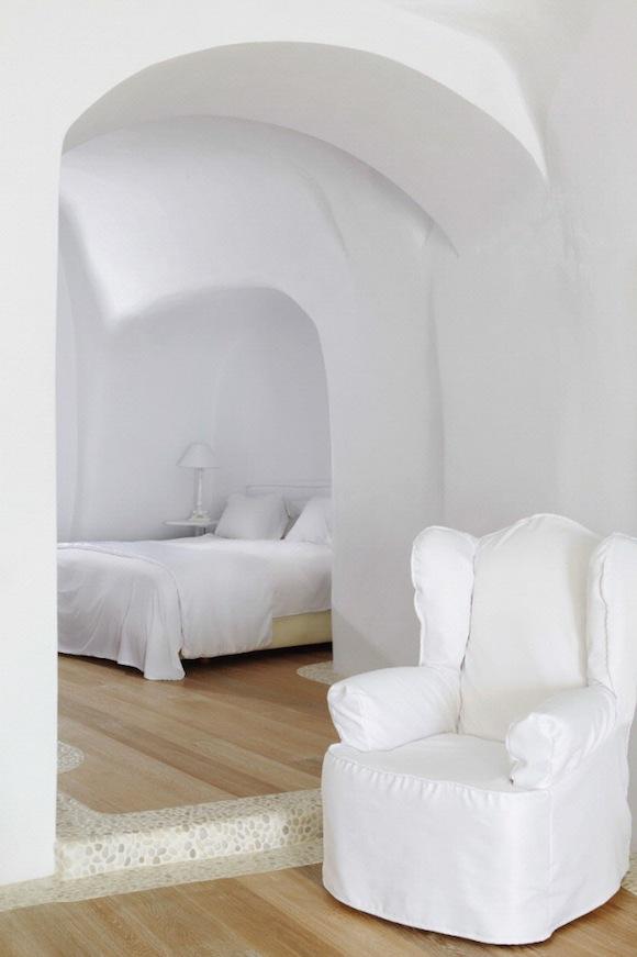 Kirini-Suites-Spa-Luxury-Hotel-Oia-Santorini-Cyclades-Greece-14-682x1024.jpg