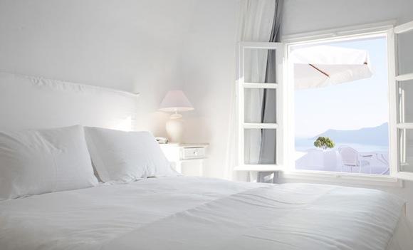 Kirini-Suites-Spa-Luxury-Hotel-Oia-Santorini-Cyclades-Greece-15.jpg