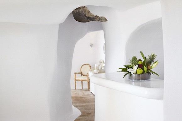 Kirini-Suites-Spa-Luxury-Hotel-Oia-Santorini-Cyclades-Greece-20.jpg