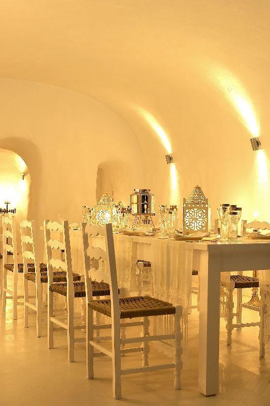 Kirini-Suites-Spa-Luxury-Hotel-Oia-Santorini-Cyclades-Greece-21.jpg