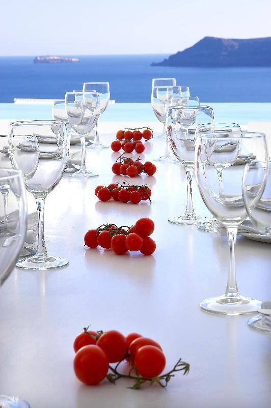 Kirini-Suites-Spa-Luxury-Hotel-Oia-Santorini-Cyclades-Greece-22.jpg