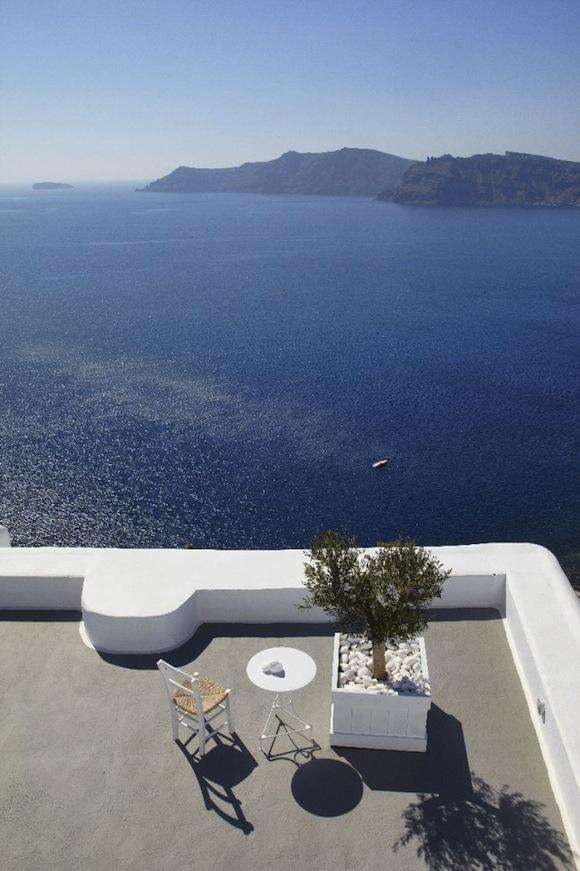 Kirini-Suites-Spa-Luxury-Hotel-Oia-Santorini-Cyclades-Greece-25-682x1024.jpg