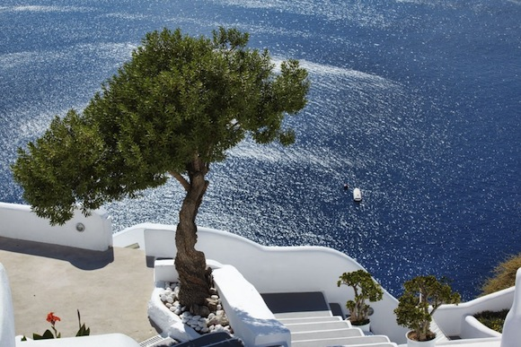 Kirini-Suites-Spa-Luxury-Hotel-Oia-Santorini-Cyclades-Greece-26.jpg