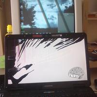 s0meeE's Laptop.. :(
