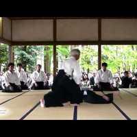 Videó: a Doshu újabb bemutatót tartott