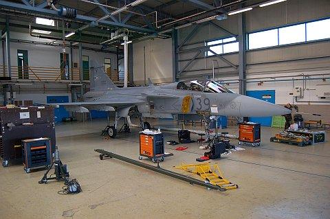 hangar-07.jpg